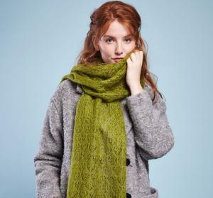 Вязанный шарф спицами